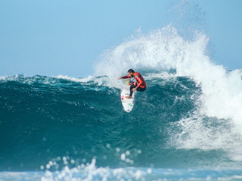 Surfing Tips for Beginners: A Guide